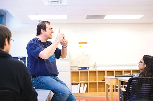 Professor Viney in a Materials Science class